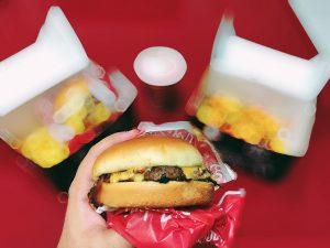 foto caseira de hamburguer