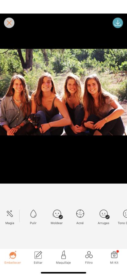 foto de 4 amigas en la naturaleza