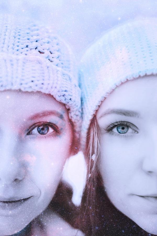 Foto de la cara de dos mujeres