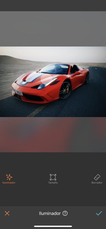 foto de un coche editado por AirBrush