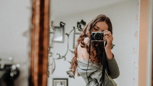 Selfies using mirrors 05