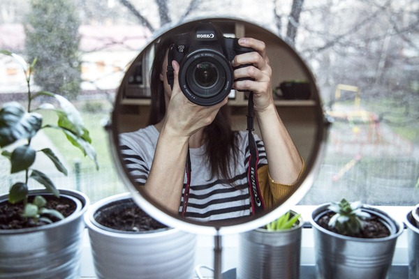 Selfies using mirrors 03