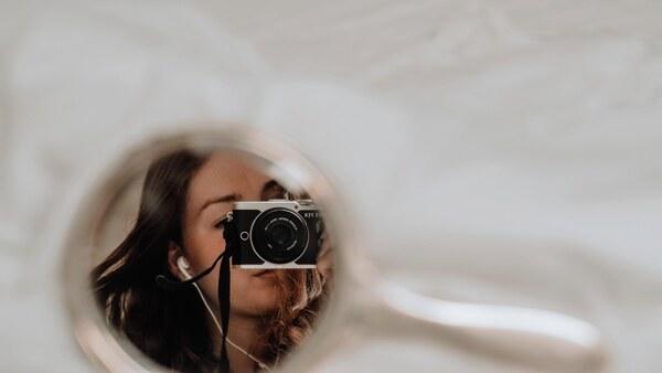 Selfies using mirrors 04