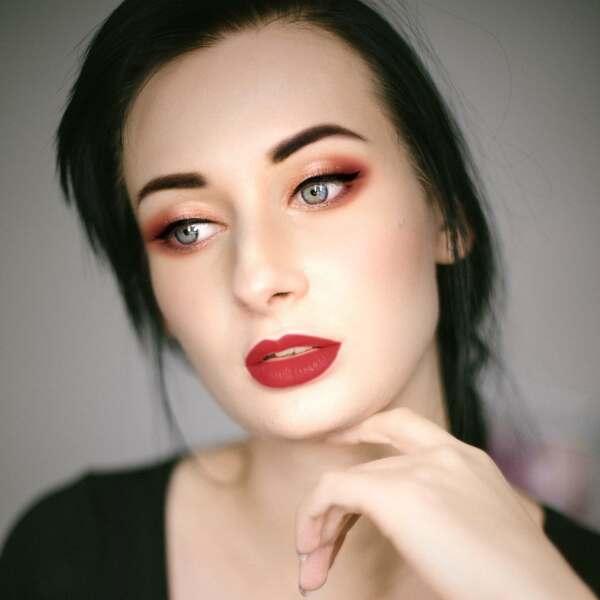 pintar labios rojos