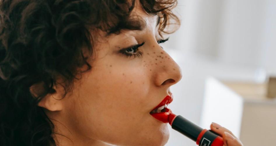 Descubre qué tipo de mujer famosa eres lapis de labial