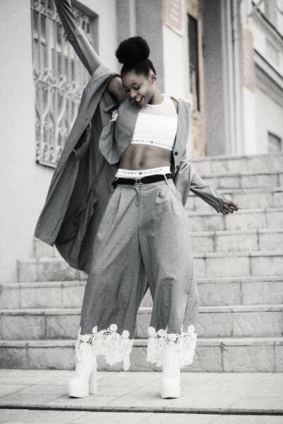 Un look de Fashion Week avec AirBrush12