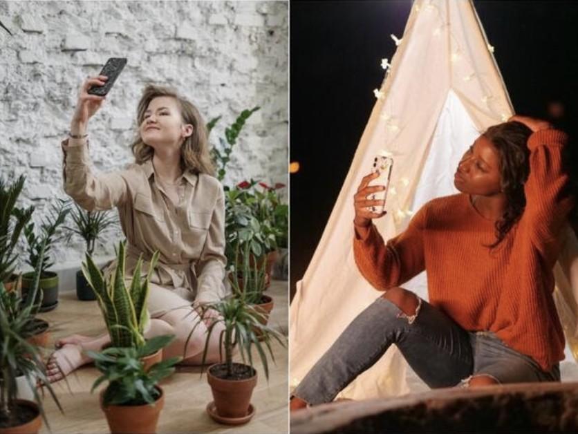 mujeres sacándose una selfie en lugares lindos